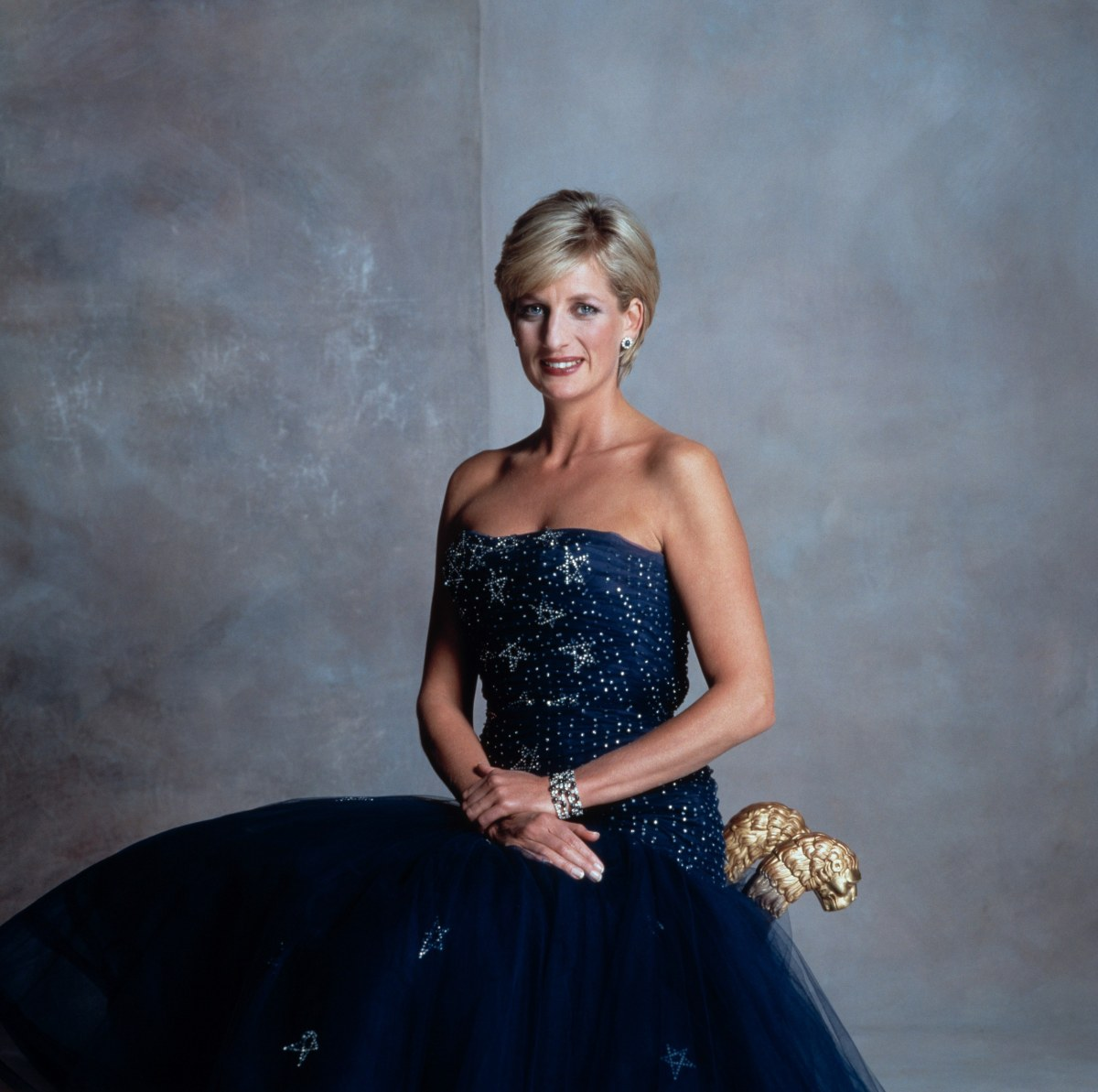 princess diana as a role model and peoples princess The 'people's princess' used her power and popularity to help others  dedicating most of her life's work to helping others, diana was a humanitarian, a role model and a loving mother.