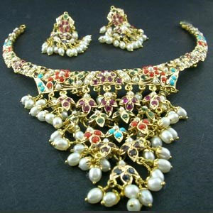 5-Colour-combos-in-Pearl-Jewellery-1