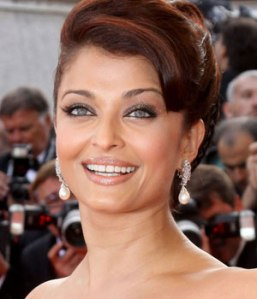 j-Aishwarya+Rai+Dangle+Earrings+Pearl+Drop+earrings