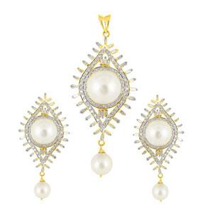 j-pearls-south-sea-pearls-diamond-pendent-set